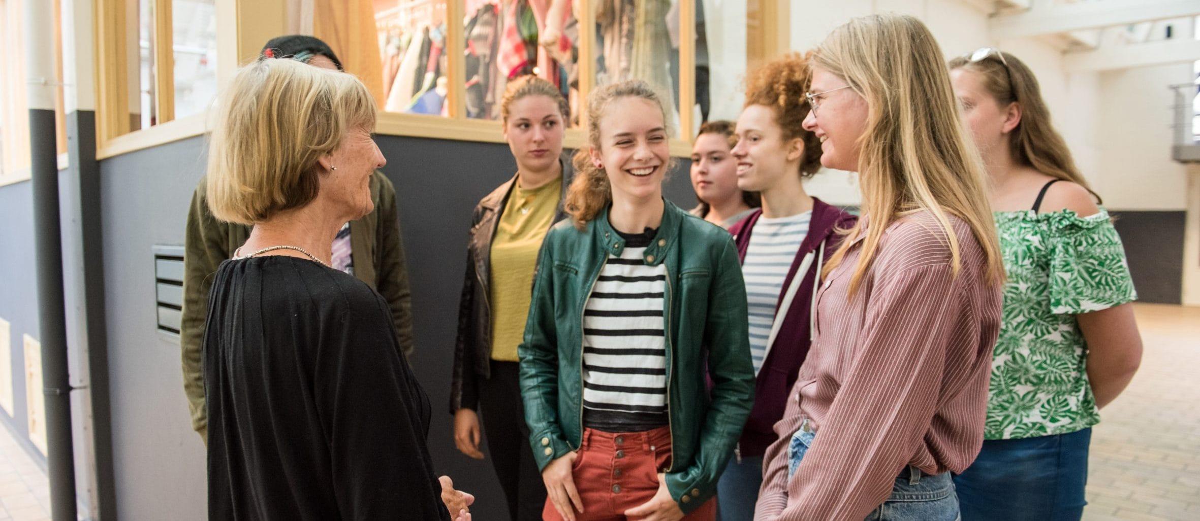 Studenten tijdens rondleiding. Foto: William van der Voort